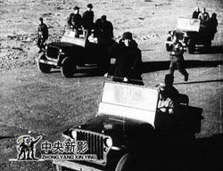 1949年3月25日,毛泽东主席莅平时检阅部队。